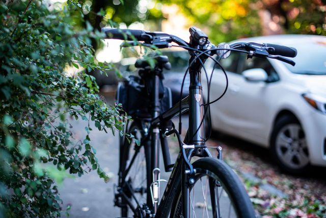 mike de socio and his trek bike