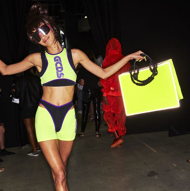 Fashion, Leg, Thigh, Muscle, Dancer, Human leg, Event, Dance, Competition, Performance,
