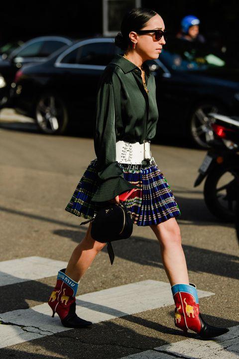 Street fashion, Photograph, Plaid, Clothing, Fashion, Footwear, Snapshot, Sunglasses, Pattern, Eyewear,