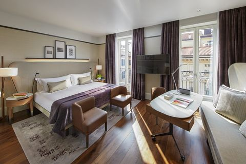 A Deluxe Room At The Mandarin Oriental