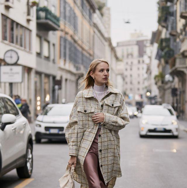 Clothing, Street fashion, Photograph, Fashion, Snapshot, Outerwear, Coat, Footwear, Fashion model, Street,