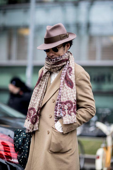 Street fashion, Clothing, Fashion, Hat, Fedora, Scarf, Snapshot, Street, Outerwear, Headgear,