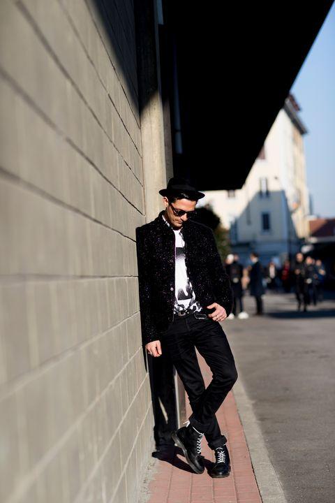 Street fashion, Black, Clothing, Fashion, Suit, Snapshot, Footwear, Outerwear, Formal wear, Blazer,