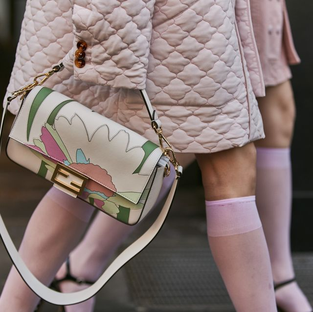 White, Pink, Street fashion, Human leg, Fashion, Shoulder, Leg, Waist, Joint, Beauty,