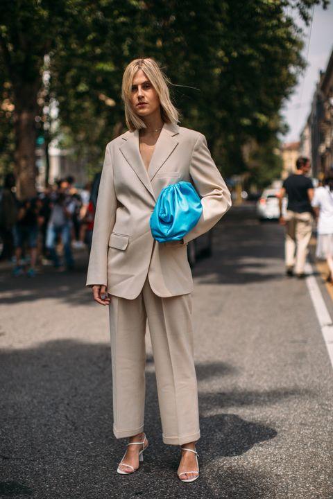 come abbinare il beige chiaro. come abbinare il beige, come abbinare il beige inverno, come abbinare il beige estate, come indossare il beige, beige abbinamenti, beige outfit, come abbinare i colori nell'abbigliamento,