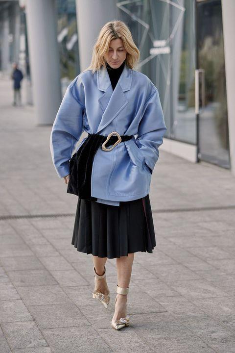 Clothing, Street fashion, Photograph, Blue, Fashion, Shoulder, Snapshot, Outerwear, Coat, Electric blue,