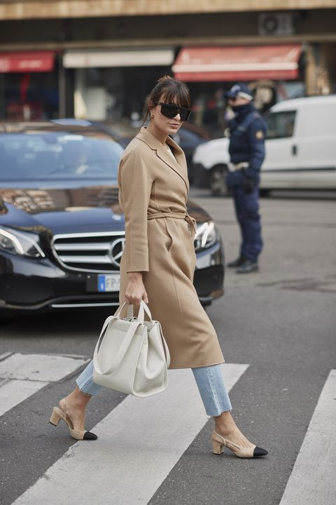 Street fashion, Clothing, Fashion, Footwear, Snapshot, Leg, Coat, Trench coat, Sunglasses, Shoe,