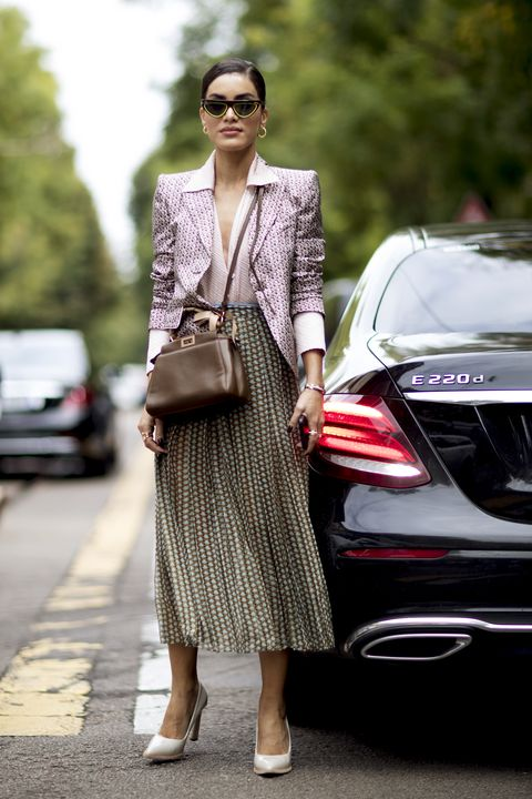 Street fashion, Clothing, Automotive design, Fashion, Product, Beauty, Dress, Vehicle, Photo shoot, Footwear,
