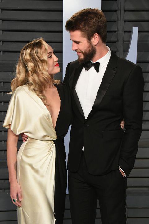 Matrimonio In Extremis : Miley cyrus e liam hemsworth: la ragione del matrimonio ora