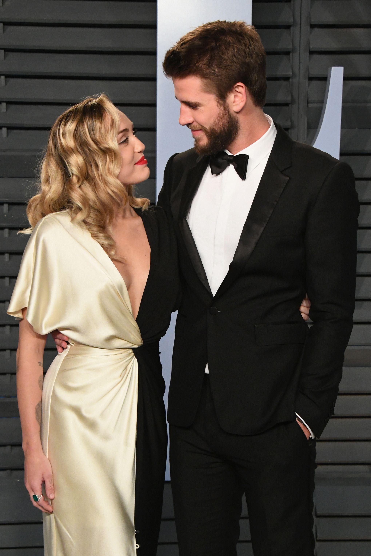 Miley Cyrus Shares New Liam Hemsworth Wedding Photos For Valentine S Day