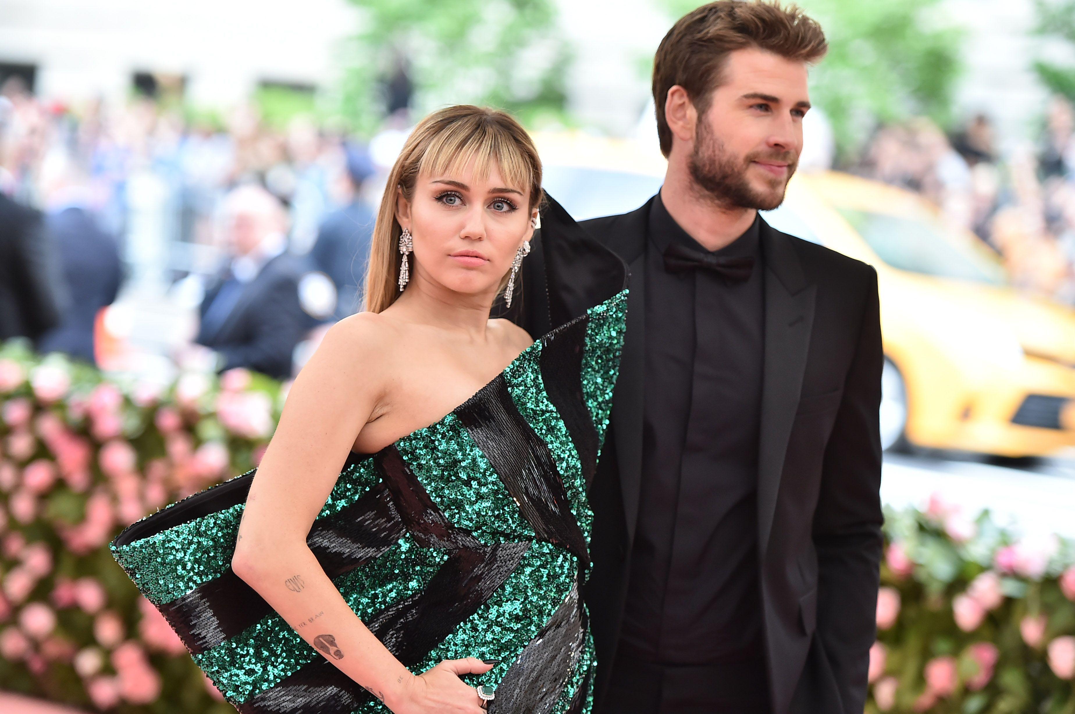 4e0ea7543c61b Miley Cyrus Shut Down Any Liam Hemsworth Split Rumors in Her Heartfelt 10th  Anniversary Tribute