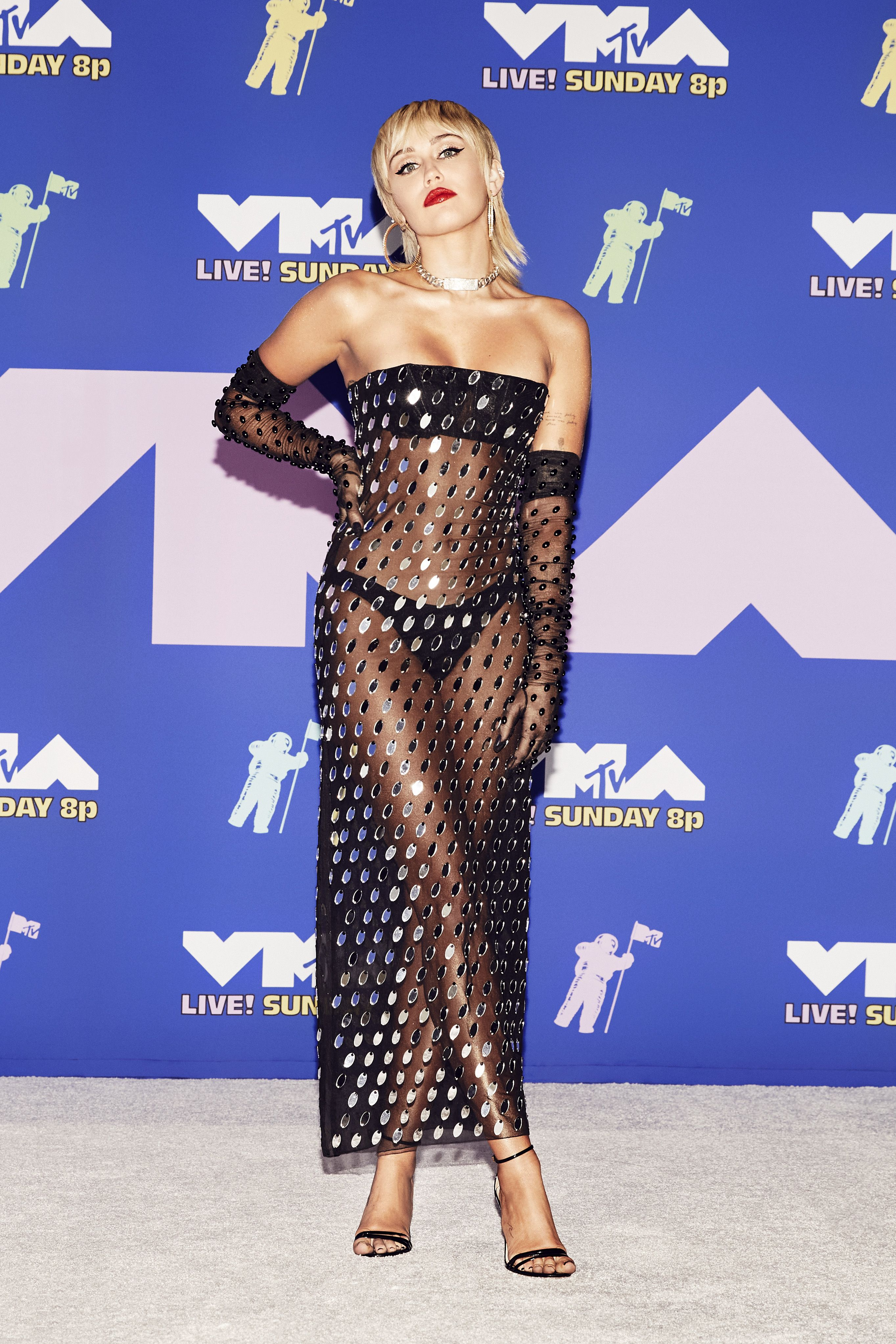 Miley Cyrus Vmas Outfit Is Sexy And Super Sheer