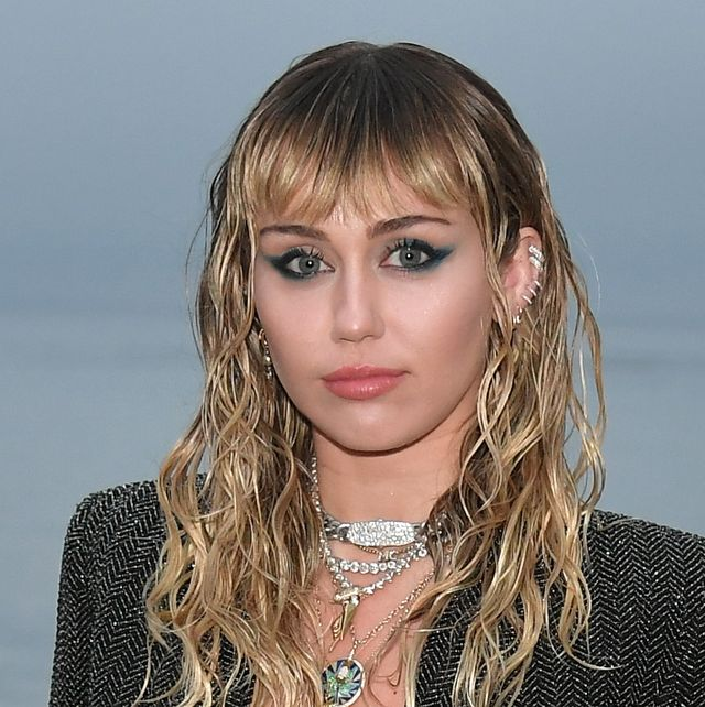 Miley Cyrus Just Posted A Zero Makeup