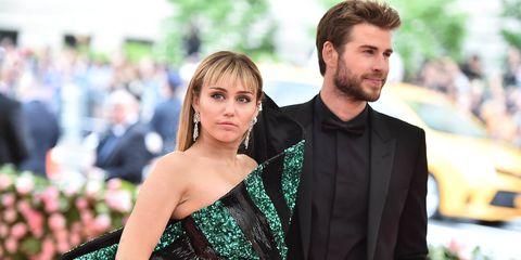 Miley Cyrus en Liam Hemsworth op het Met Gala 2019.