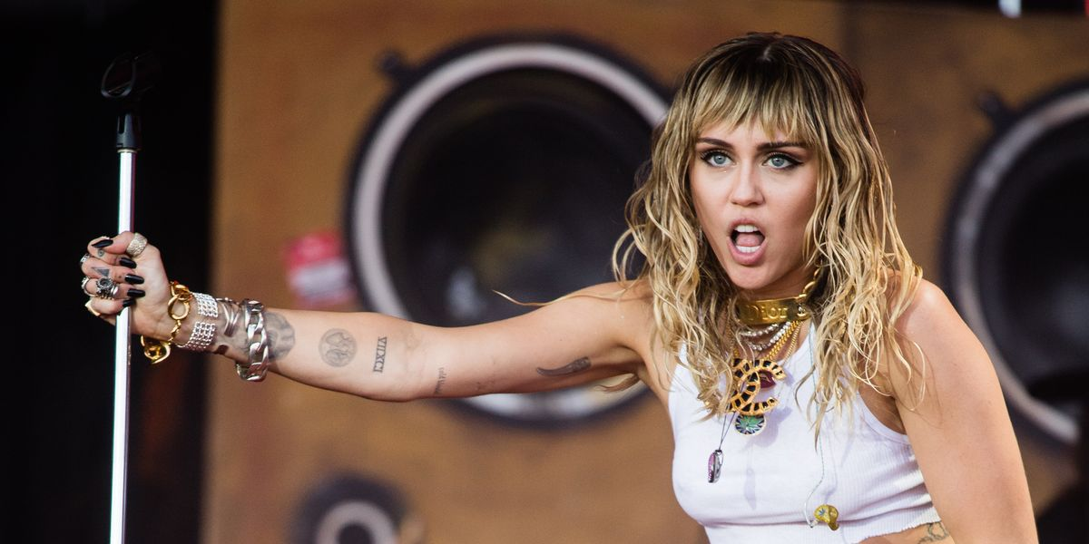Miley Cyrus și penisuri)