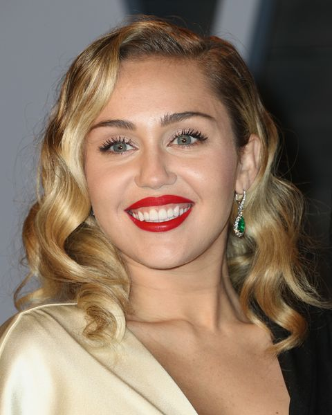 miley cyrus red lip