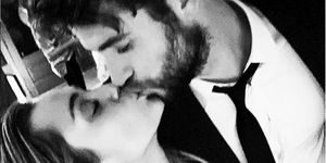Miley Cyrus y Liam Hemsworth comparten fotos de boda secreta