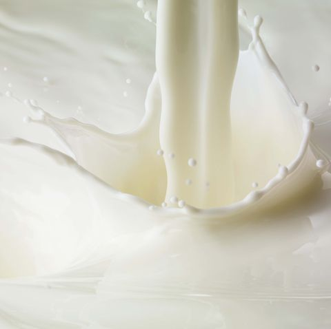 Milk pour and splash
