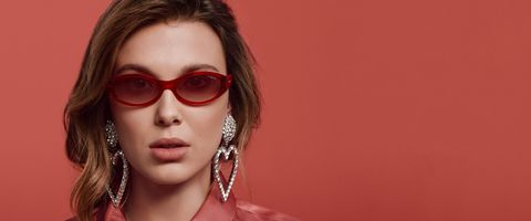 Eyewear, Hair, Face, Glasses, Sunglasses, Lip, Cool, Eyebrow, Beauty, Hairstyle,
