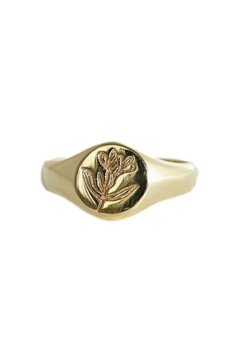 Ring, Fashion accessory, Jewellery, Beige, Bracelet, Plant, Brass, Metal,