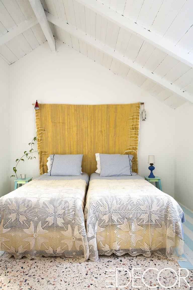 25 Minimalist Bedroom Decor Ideas - Modern Designs for ... on Bedroom Minimalist Design Ideas  id=18751