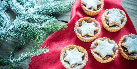 Traditional Christmas.Christmas Food Traditions Around The World Traditional