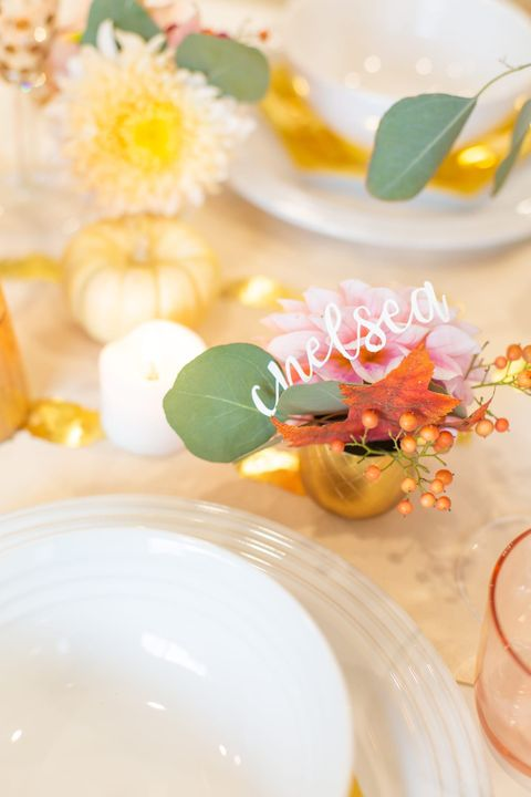 thanksgiving place cards - mini bouquet place cards