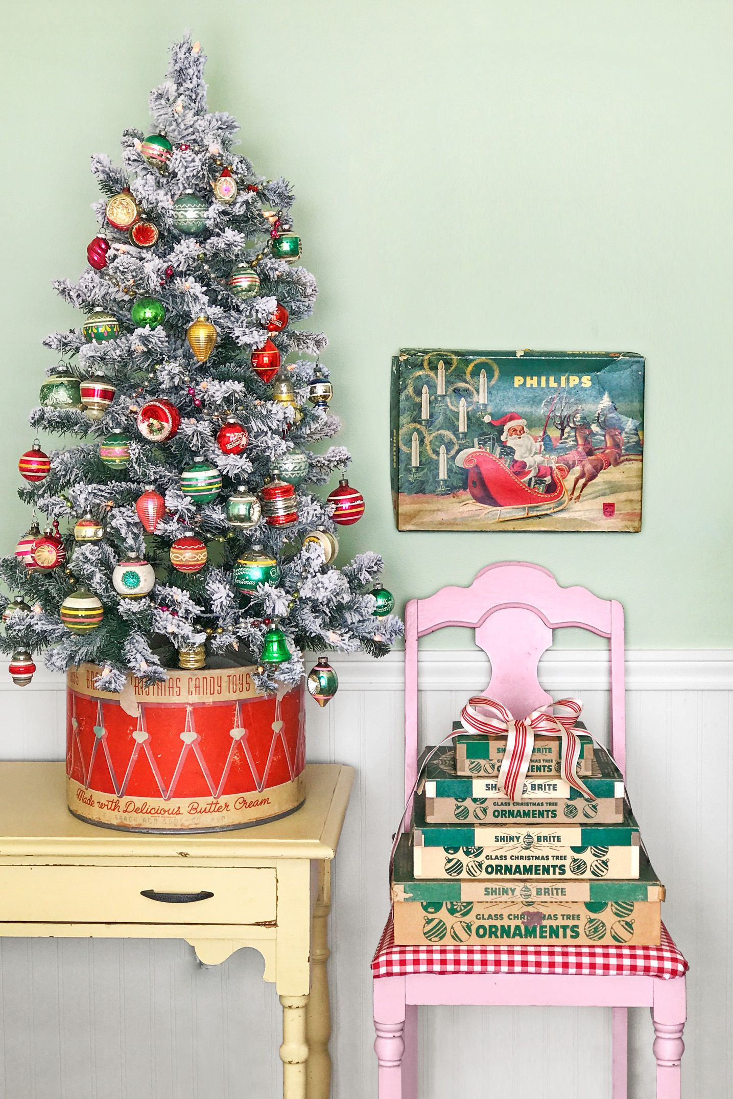 30 best small christmas trees ideas for decorating mini christmas rh countryliving com