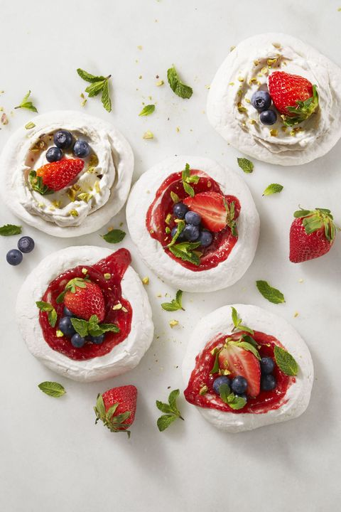 mini fruit pavlovas