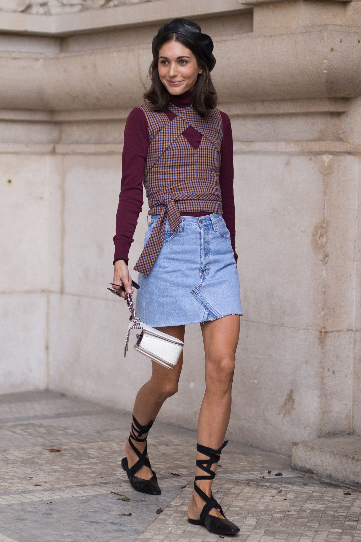 Street style mini skirt trend