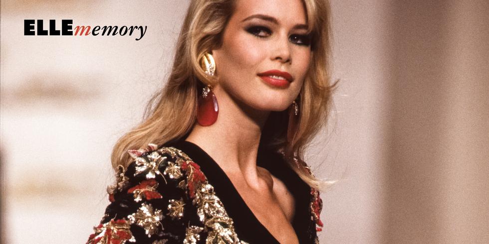 La gonna vintage di Claudia Schiffer è la minigonna in grado di conquistare tutti, anche nel 2019