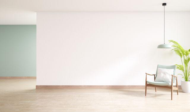 un salotto minimal con parquet in legno