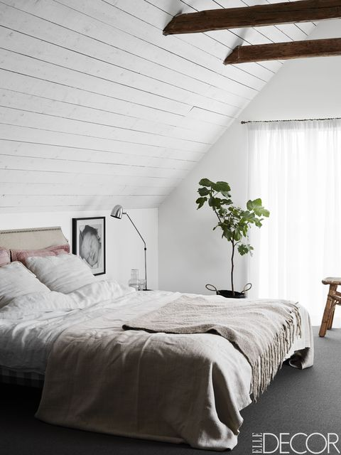 25 minimalist bedroom decor ideas modern designs for - Bedroom with mattress on the floor ...