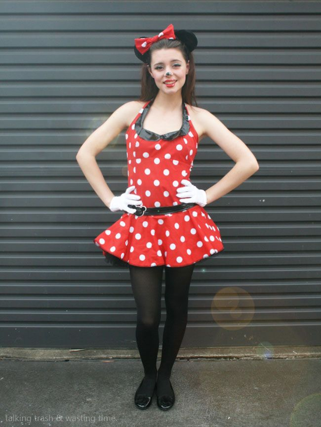 diy minnie mouse halloween costumes for teen girl  sc 1 st  Country Living Magazine & 12 Tween Halloween Costumes - DIY Costumes for Tween u0026 Teen Girls u0026 Boys