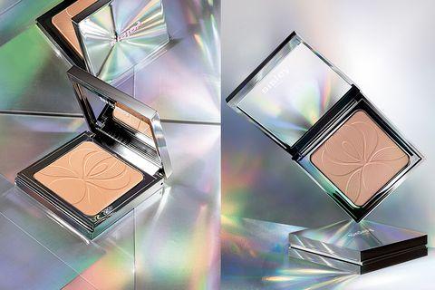 Product, Eye, Eye shadow, Cosmetics, Beauty, Organ, Human body, Material property, Face powder, Powder,