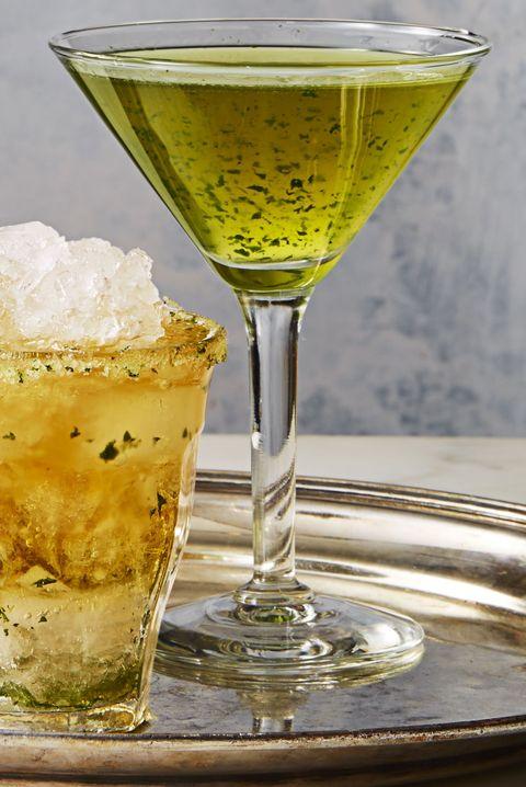 mint vodka martini - christmas martinis