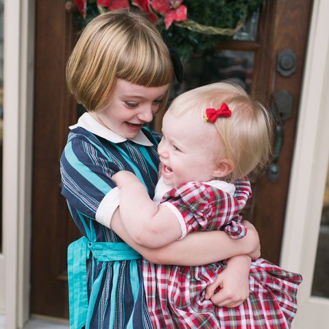 宛如美國復古聖誕卡上的女孩!「天使姐妹」聖誕穿搭特輯!