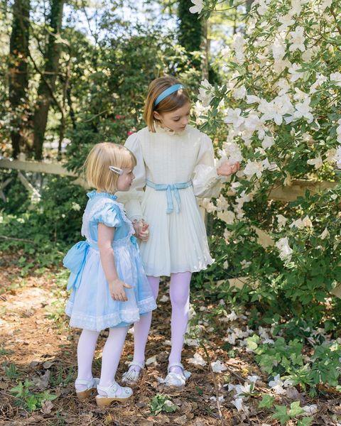 從童話故事裡走出的小女孩!全世界媽媽都瘋狂愛上的「女兒穿搭範本」oliveora!