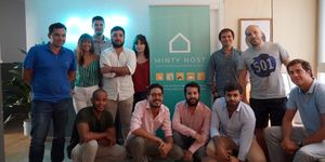 Equipo Minty Host