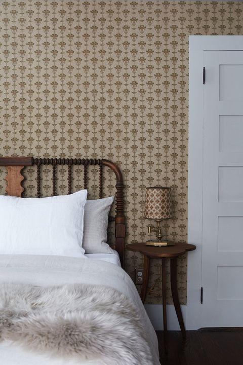 33 Minimalist Bedroom Ideas and Design Tips - Budget ...