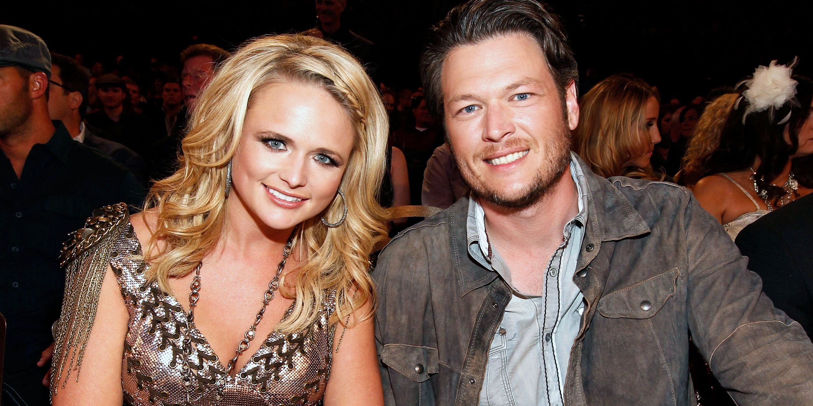 Who is blake shelton dating now