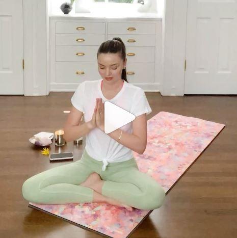 miranda kerr,yoga