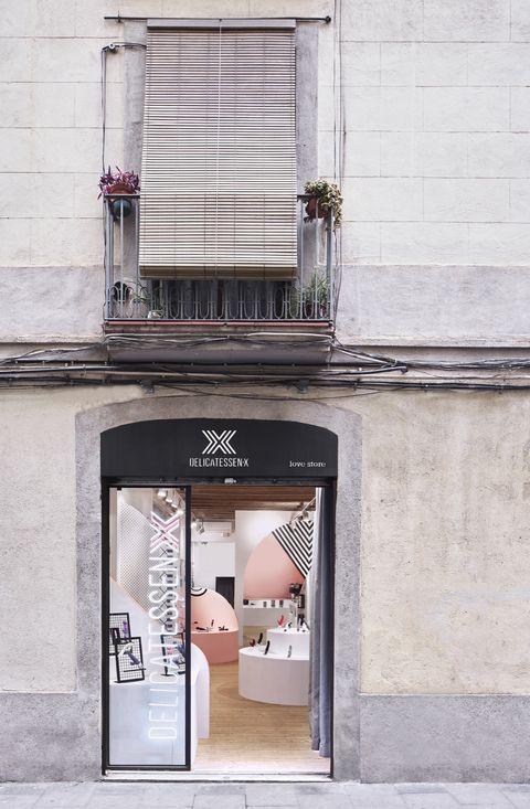 Sexshop en Barcelona Delicatessen X, de Miriam Barrio. Foto: José Hevia