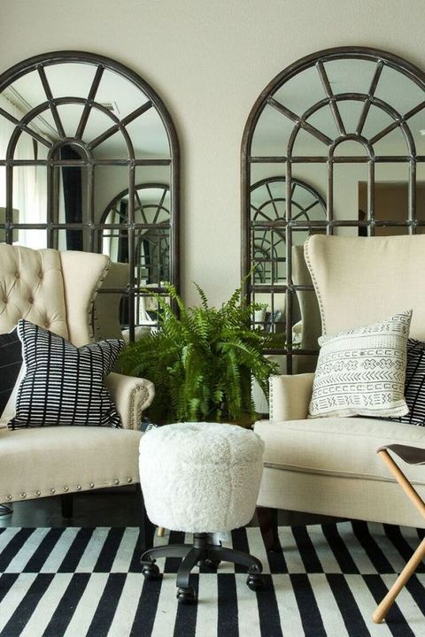 How to decorate with mirrors decorating ideas for mirrors for Mirror decoration ideas for living room