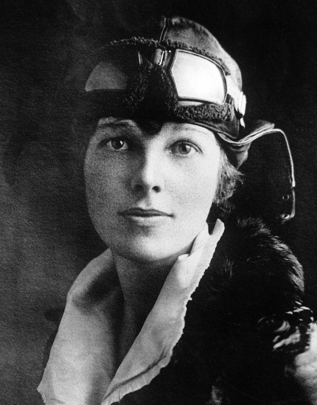 amelia earhart around 1935