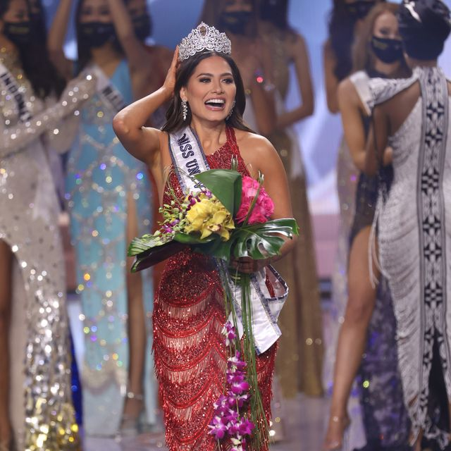 5月16日(現地時間)に、アメリカのフロリダ州にある「セミノール・ハード・ロック・ホテル&カジノ」で開催された、第69回ミス・ユニバース世界大会の決勝。今年、栄光に輝いたメキシコ代表のアンドレア・メサさん(26歳)は、優勝を手にするまでの道のりを赤裸々に明かした――。