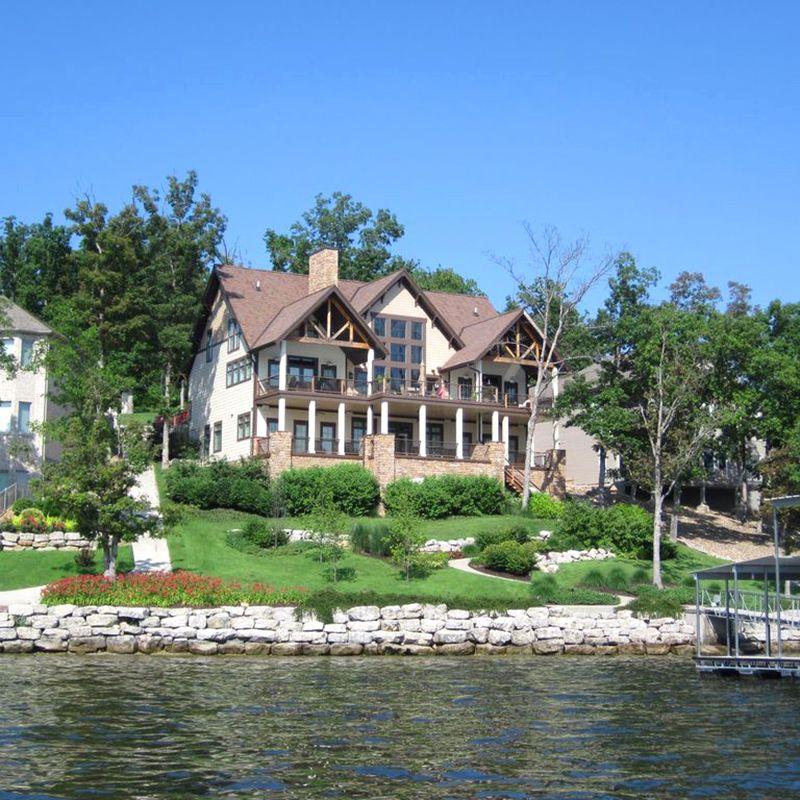 Craftsmen Style Lake House in Rocky Mount, Missouri
