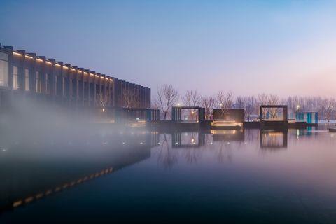 Water, Sky, Reflection, Atmospheric phenomenon, Blue, River, Morning, Architecture, Fog, Night,