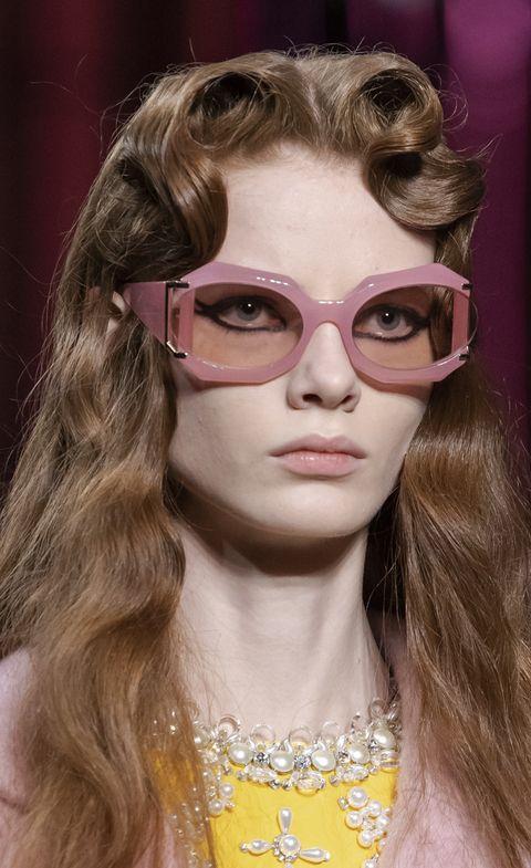 Eyewear, Hair, Glasses, Face, Sunglasses, Hairstyle, Blond, Beauty, Eyebrow, Lip,