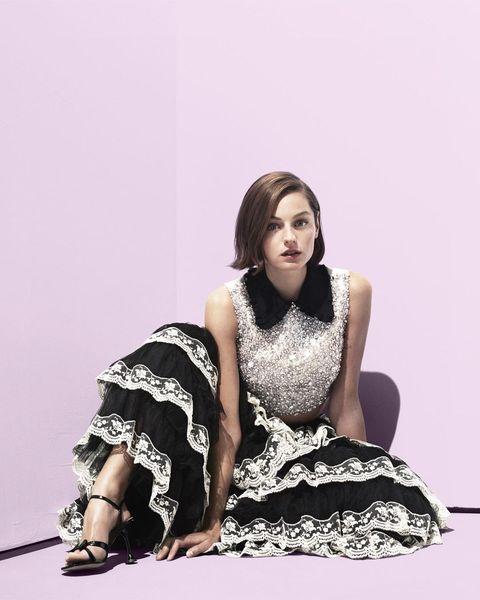 《王冠》黛安娜王妃emma corrin不只是劍橋學霸!新一代「紅毯資優生」艾瑪克林的時髦風格考